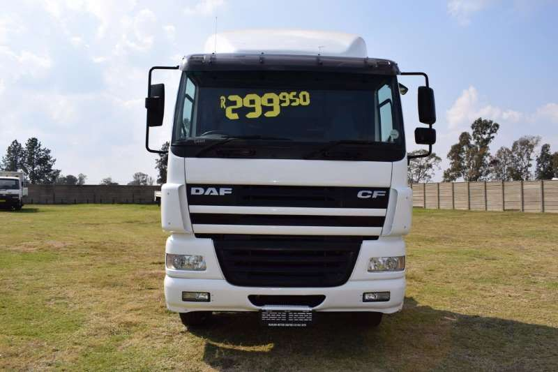 DAF  double axle CF85 430 (6x4) Horse Truck-Tractor
