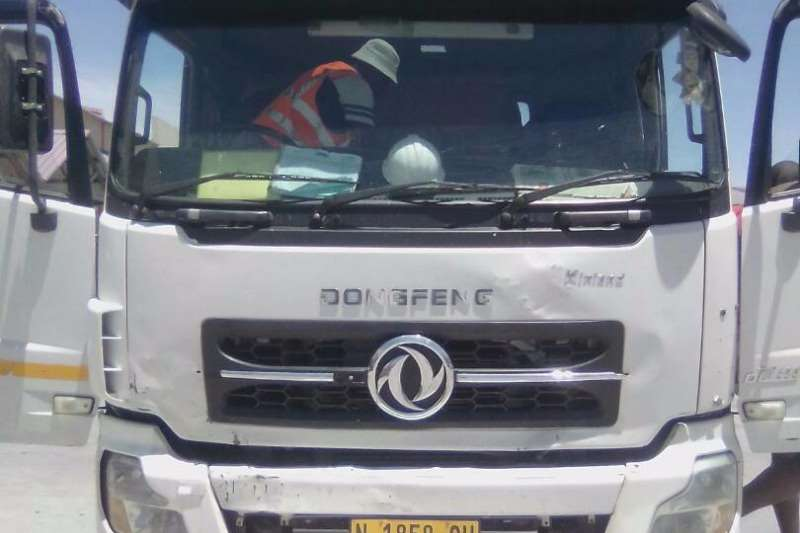 Truck-Tractor Dong Feng DONGFENG 6X4 HORSE 0