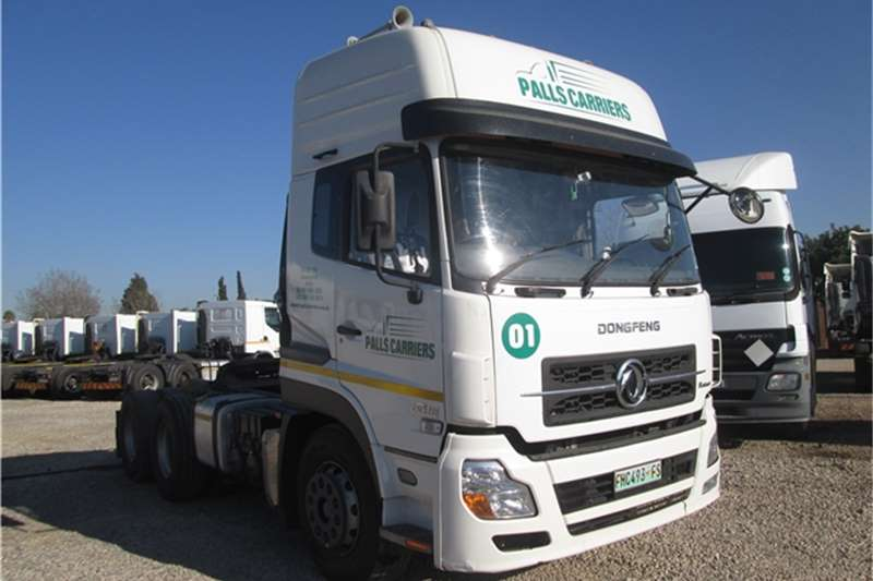 Dong Feng  double axle Kinland 420 DCI Truck-Tractor