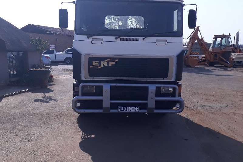 ERF DUBBLE DIFF ERF FORE SALE Truck-Tractor