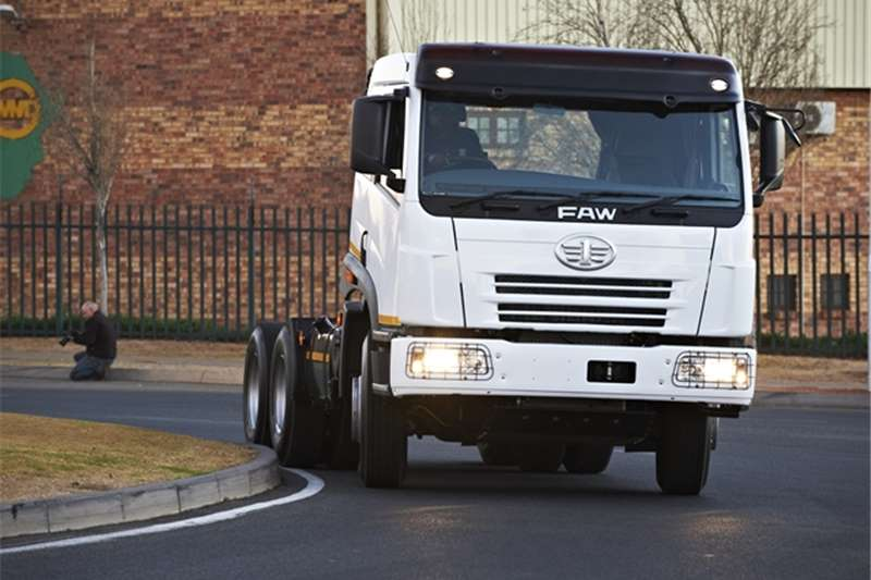 FAW 28.460FT Low Roof J6  Truck-Tractor