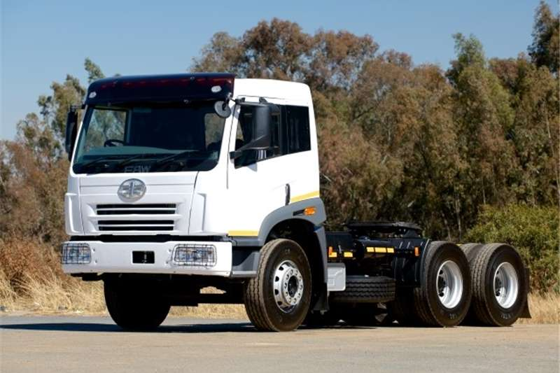 FAW  double axle 28.380FT Truck Tractor Truck-Tractor