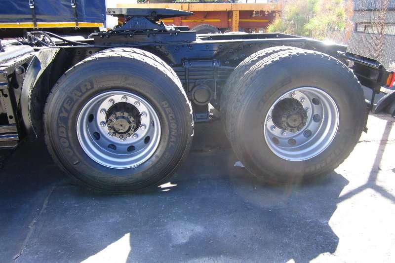 FAW  double axle 28.460FT Truck-Tractor