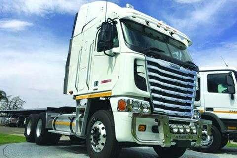 Truck-Tractor Freightliner Argosy 500 ISX- 2012