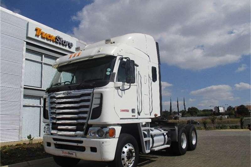Truck-Tractor Freightliner Argosy 90 Cum 500 NG Freightliner 2013