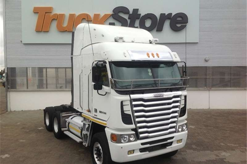 Truck-Tractor Freightliner Argosy 90 DDC 12.7 1650 NG Freightliner 2013