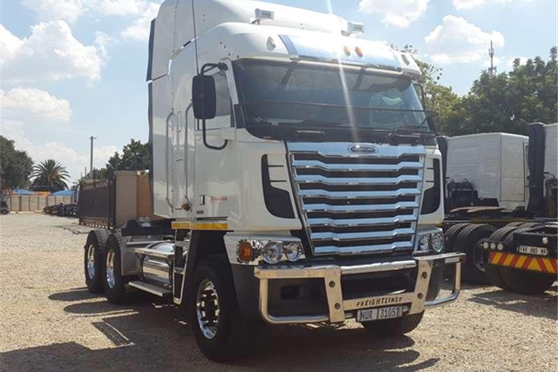 Freightliner  double axle Argosy CISX 500 Truck-Tractor