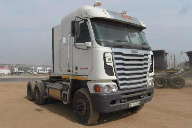 Truck-Tractor Freightliner  Double Axle Argosy CISX- 500 6 x 4 Mechanical Horse 0