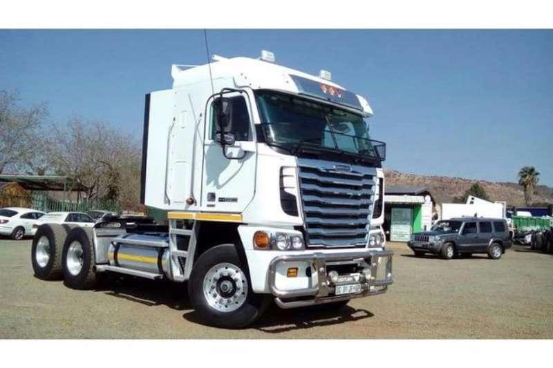 Freightliner  double axle Argosy Detroit 12.7 1650 Truck-Tractor
