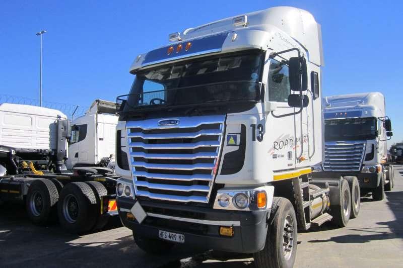 Truck-Tractor Freightliner  Double Axle Argosy Detroit 475 2013