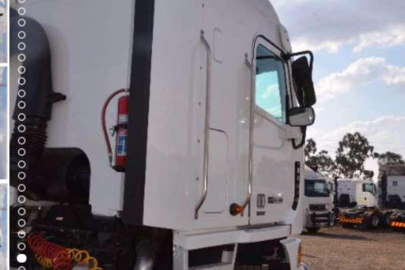 Freightliner  double axle Argosy Detroit 500 12.7 1650 NG Truck-Tractor