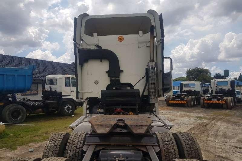 Freightliner  double axle CUMMINS 500 Truck-Tractor