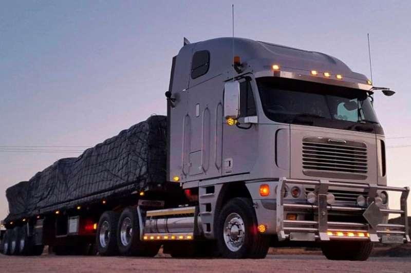 Truck-Tractor Freightliner  Double Axle Freightliner Argosy 110 ISX530 Manual 2005
