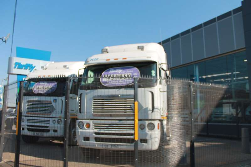 Freightliner  double axle FREIGHTLINER ARGOSY CUMMINS ISX   500 6X4 A/T Truck-Tractor