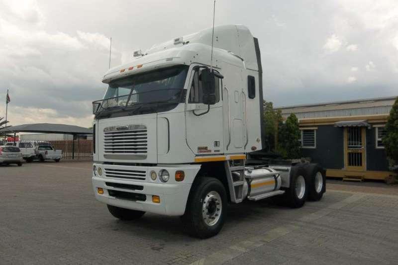 Freightliner  double axle ISX 500 CUMMINS Truck-Tractor