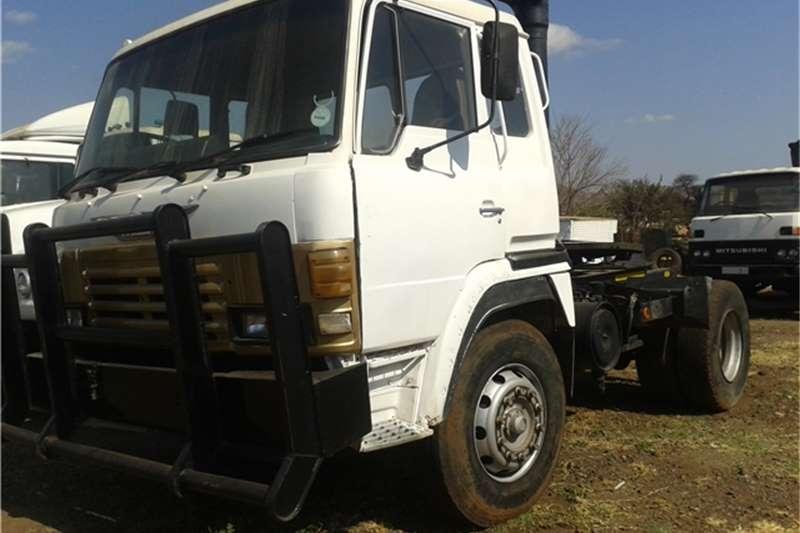 Truck-Tractor Hino 1Single diff 35-240 1994
