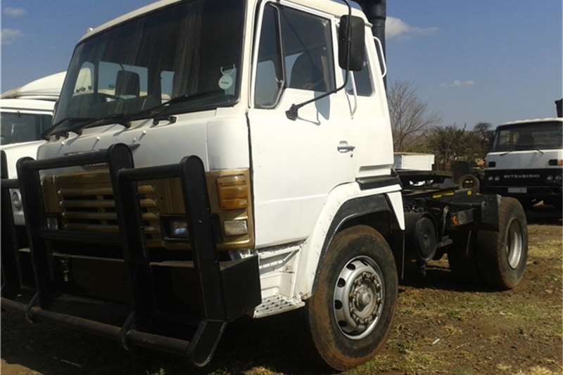Hino 1Single diff 35-240 Truck-Tractor