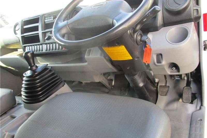 Hino 300 915 Van Body Hino Truck-Tractor