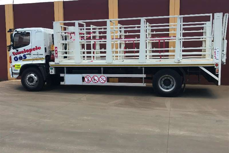 Truck-Tractor Hino  Double Axle 500 Series 1626 FC/LWB/(ACS) 2016