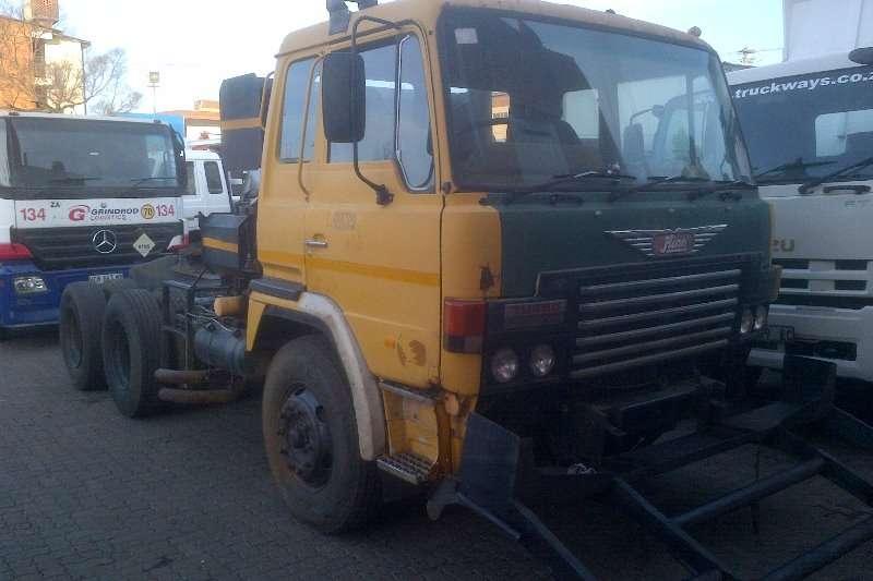 Hino  double axle 55.380 Truck-Tractor