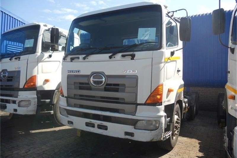Hino  double axle 700 57-450 Truck-Tractor