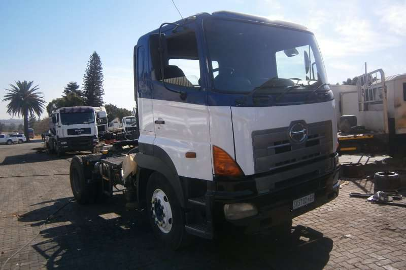 Hino Single axle 1841 Truck-Tractor