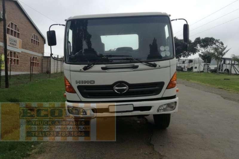Hino Single axle 500 Truck-Tractor