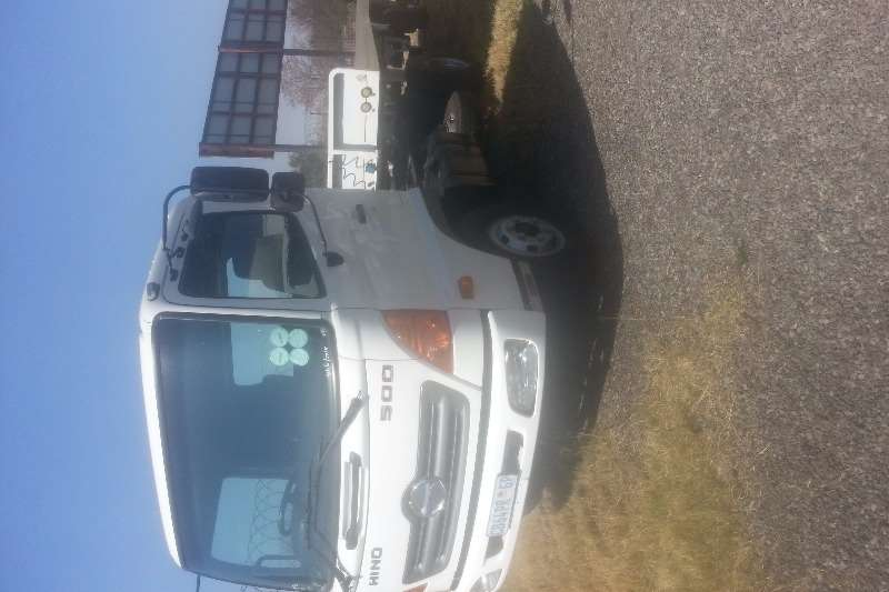 Hino Single axle 500 1017 SINGLE AXLE T/T Truck-Tractor