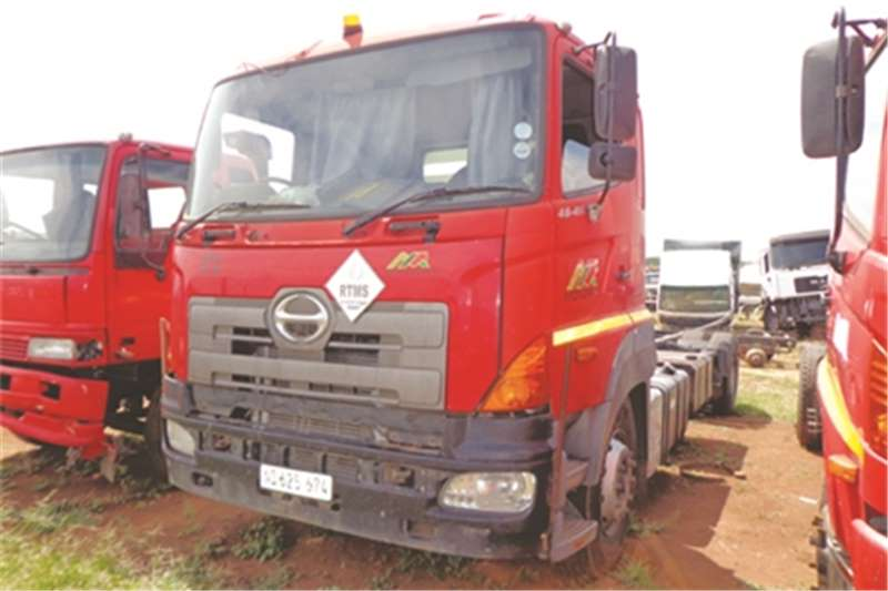 Hino Single axle 700 46 410 Truck-Tractor