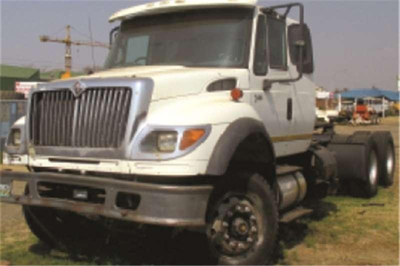 International 7600  Truck-Tractor