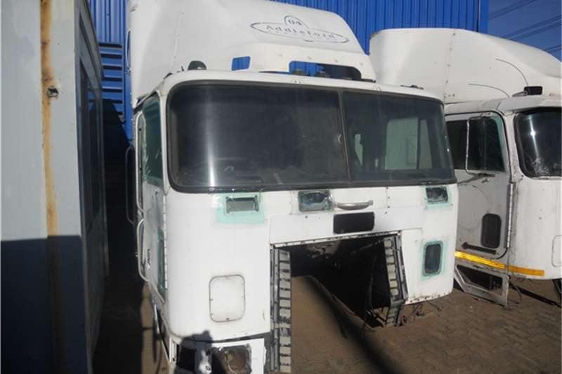 International 9700 Cab Truck-Tractor
