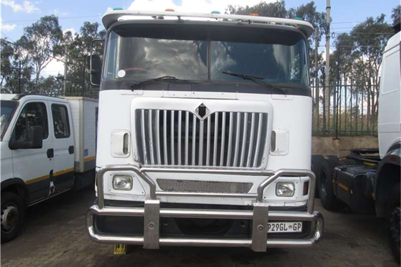 International 9800 Eagle Truck-Tractor