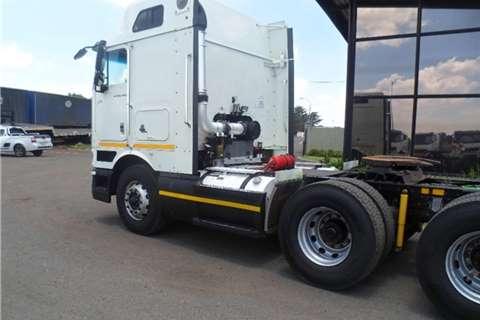 International 9800i TRUCK TRACTOR Truck-Tractor