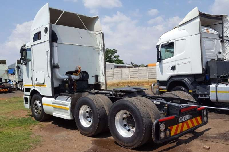International  double axle 2010 INTERNATIONAL EAGLE  9800i Truck-Tractor