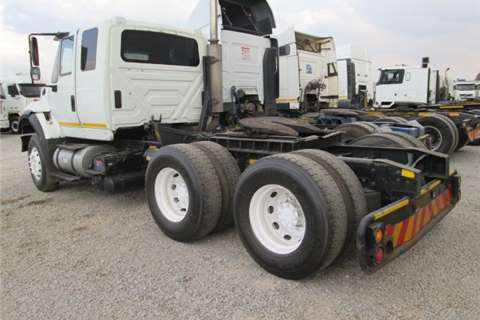 International  double axle 7600I Truck-Tractor