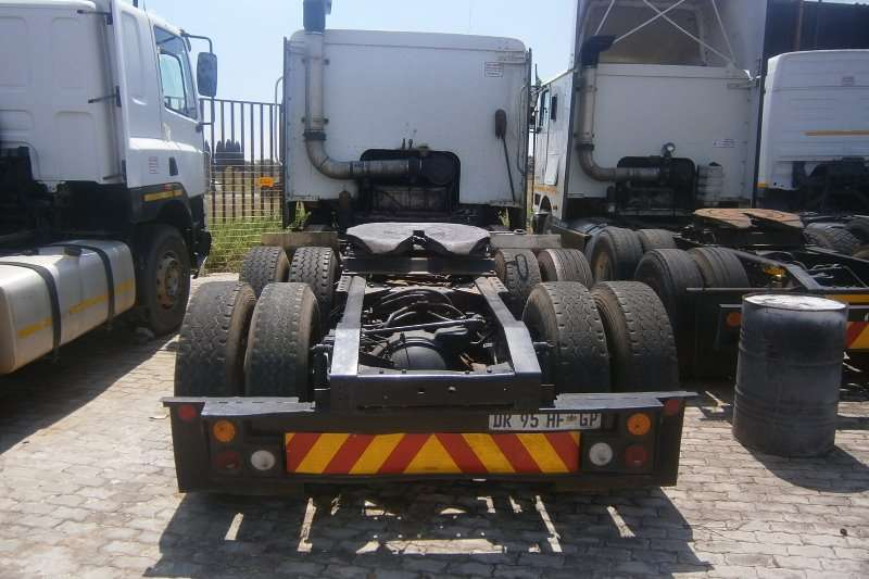 International  double axle 9800 Truck-Tractor
