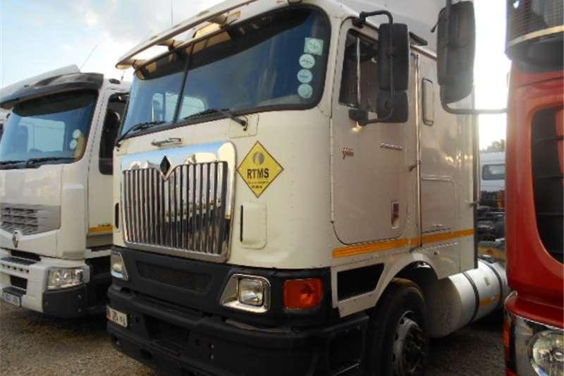 International  double axle 9800i  Truck-Tractor