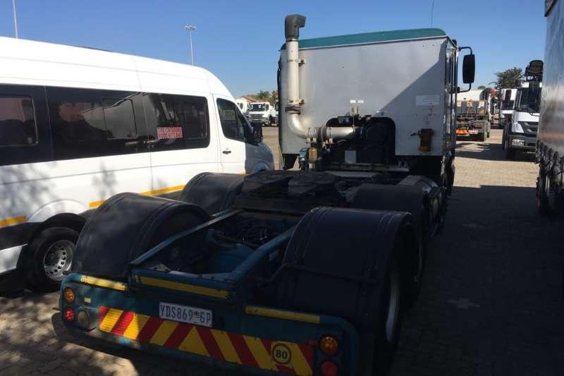 International  double axle International 9800i (6x4) Truck Truck-Tractor
