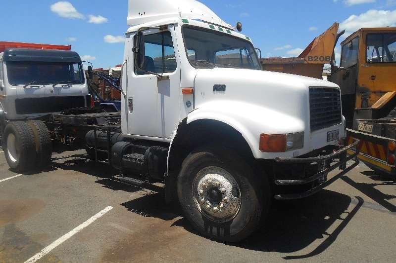 International Single axle 4900 Truck Trailler Truck-Tractor