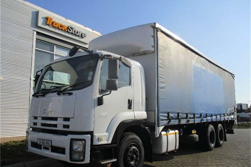 Truck-Tractor Isuzu FVM 1200 Van Body with Tail Lift Isuzu 2011