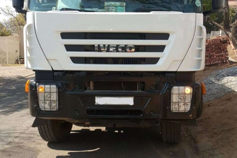 Iveco  double axle 22 CUBE TIPPER TRUCK Truck-Tractor