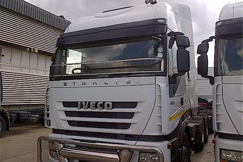 Iveco  double axle  AS750S48TZP  Truck-Tractor