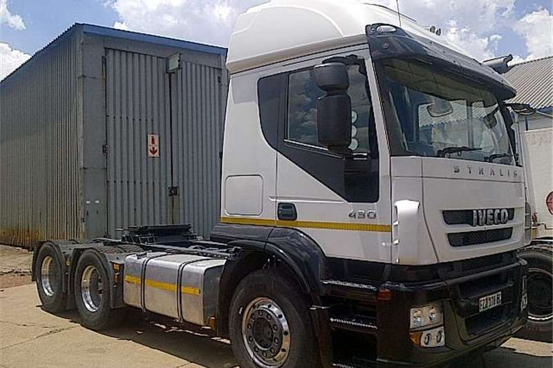 Iveco  double axle  AT700S43TZP  Truck-Tractor