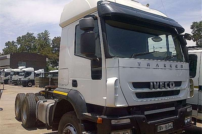 Truck-Tractor Iveco  Double Axle  AT700S43TZP  2011