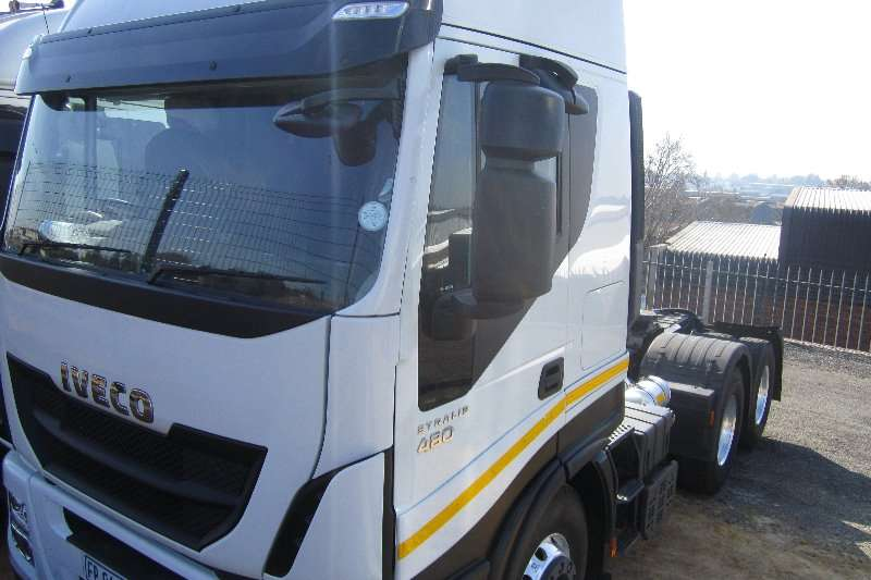 Truck-Tractor Iveco  Double Axle Stralis 480 2015
