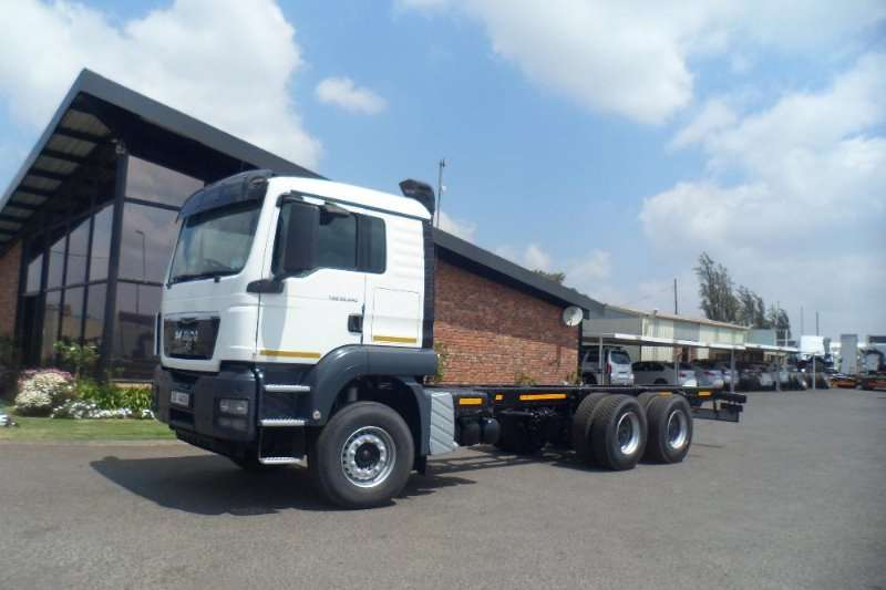Truck-Tractor MAN 2012 MAN TGS FRIEGHT CARRIER  33 44 2012