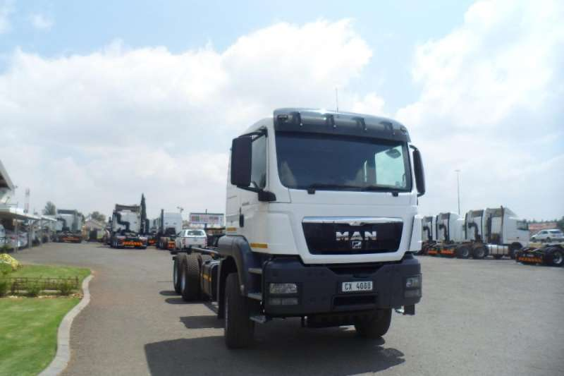 MAN 2012 MAN TGS FRIEGHT CARRIER  33 44 Truck-Tractor