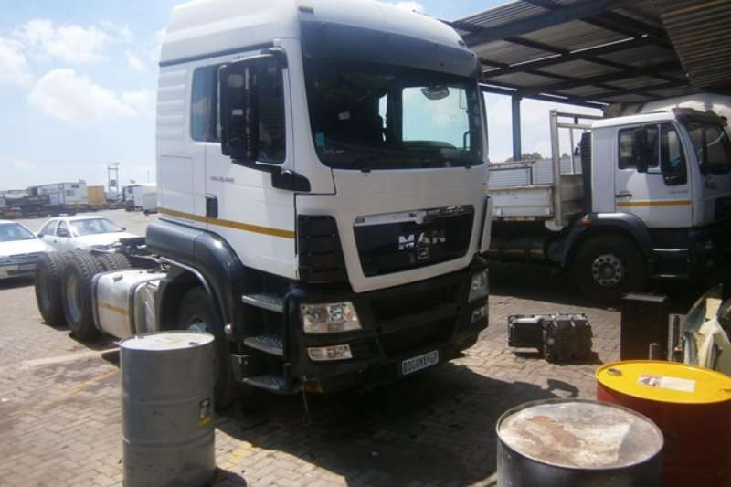 MAN  double axle 26-440 Truck-Tractor