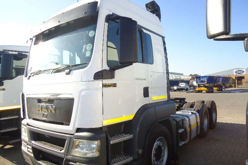 Truck-Tractor MAN  Double Axle 26.440 tgs 2012