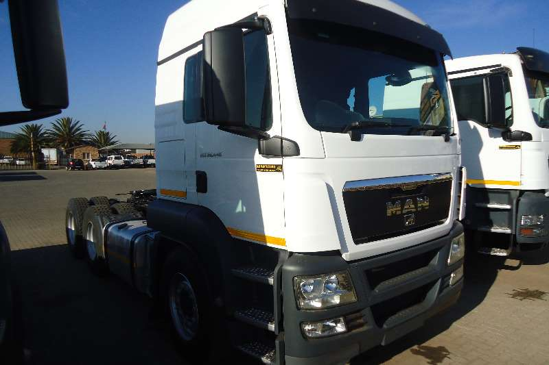 MAN  double axle 26.440 tgs Truck-Tractor